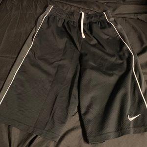 Nike Sz L shorts